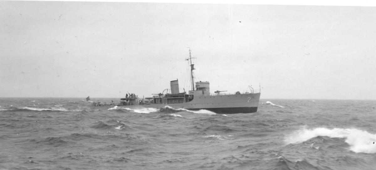 Fartyg: LANDSORT                        Rederi: Kungliga Flottan, Marinen Byggår: 1937 Varv: Örlogsvarvet, Karlskrona Övrigt: Minsveparen Landsort under gång till sjöss