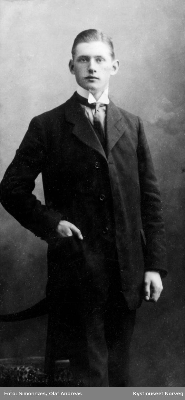 Sverre Holm, kjøpmann i Karstenøy