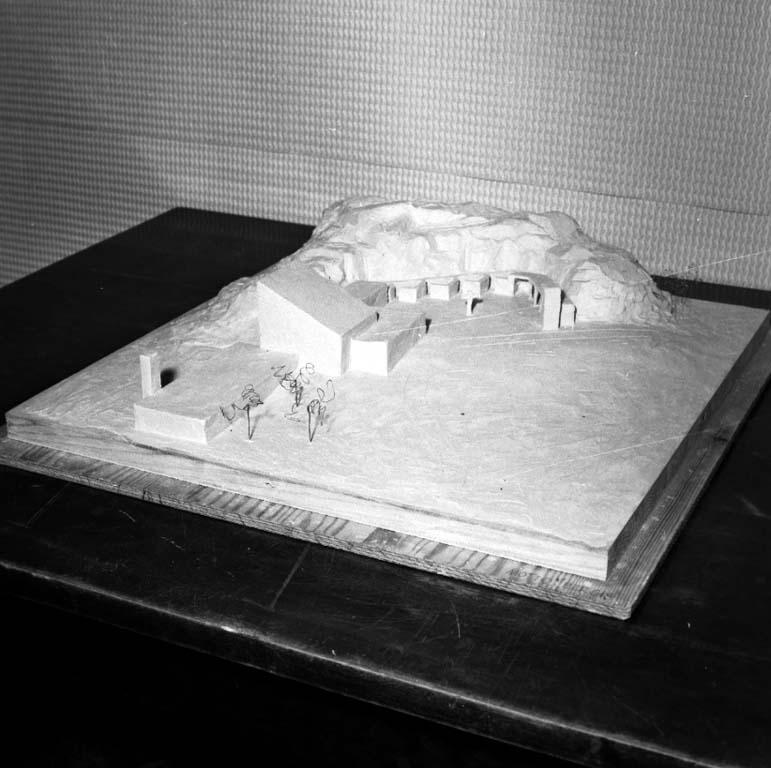 """Enligt notering: """"Modell till det nya Krematoriet 8/2 1960""""."""