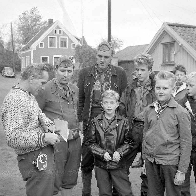 """Enligt notering: """"K F U M Norska Gutter Nov -60""""."""