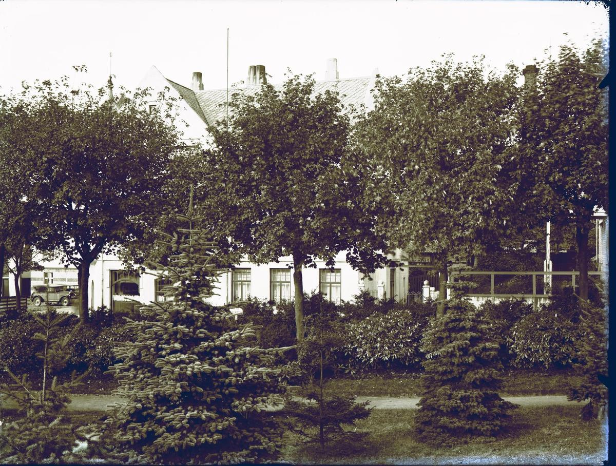 Eksteriør - av dr. Meidels hus tatt fra barneparken