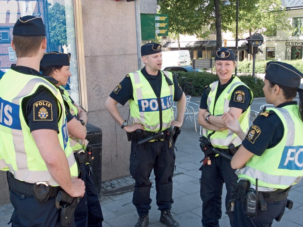 Polispatrull på gågatan, Uppsala 2011