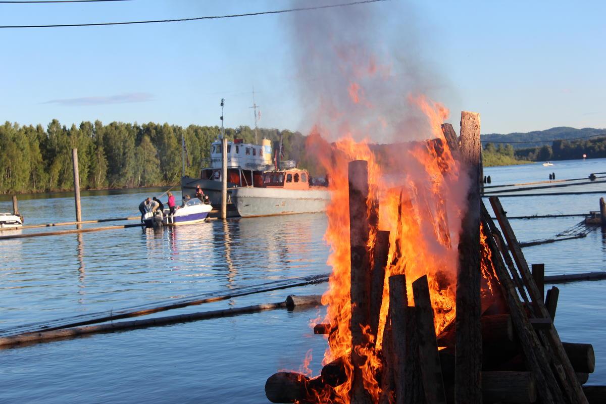 Sankthansbål (Foto/Photo)
