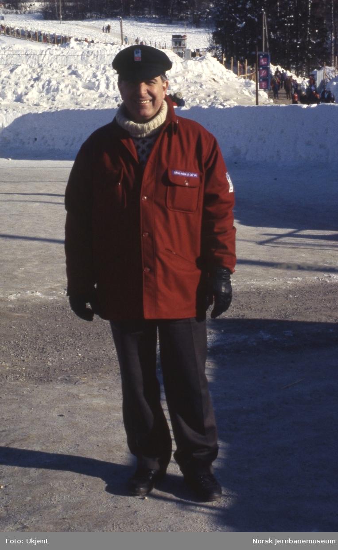 NSBs antrekk under OL i 1994 - Ivar Jørgensen poserer