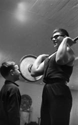 Tyngdlyftarreportage 31 januari 1966 En pojke i övre tonår