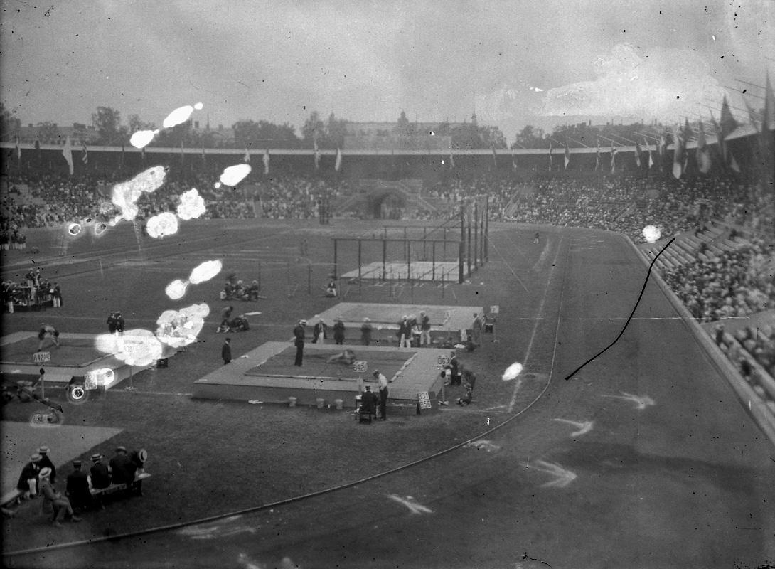 Olympiska sommarspelen OS 1912 på Stockholms Olympiastadion.Öppning den 5 maj 1912, avslutning den 27 juli 1912.