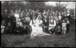 Gjestene i bryllupet til Ester Netland g. Frøyland (1921 - 1
