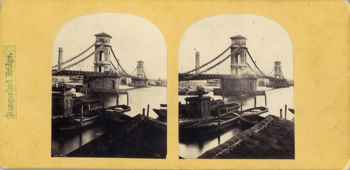 """Stereobild av Hungerfordbron över Themsen. """"Hungerford Bridge""""."""