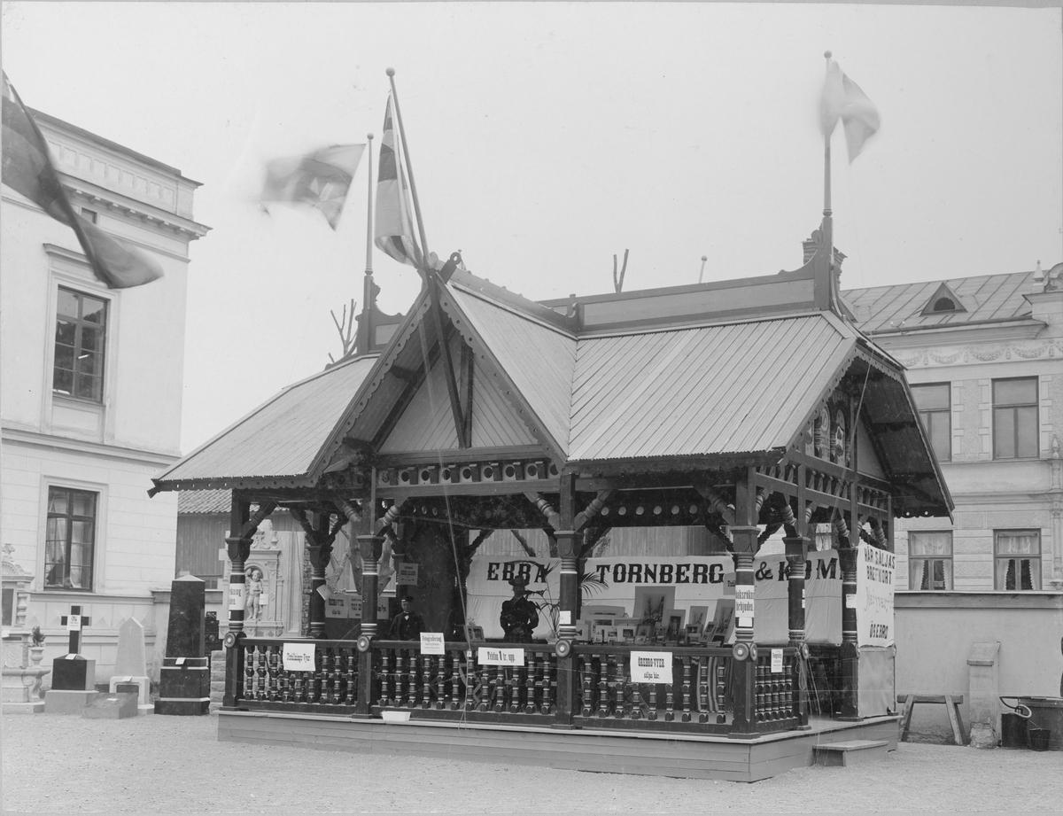 Carl E Jansson & Co:s paviljong vid Örebroutställningen 1889.