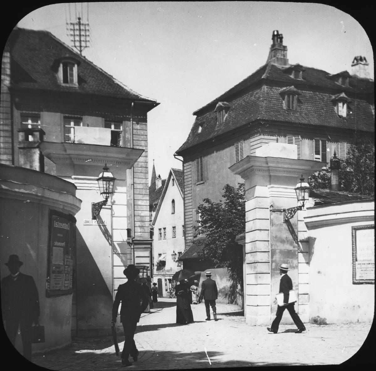 """Skioptikonbild med motiv från Ansbach. Bilden har förvarats i kartong märkt: Resan 1904. Rehnvandring. Oberwesel. Text på bild: """"Ansbach 1910""""."""