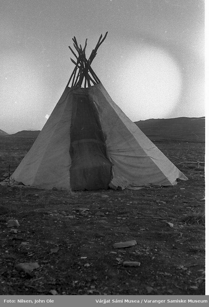 Lavvo. Ukjent sted, 1966.