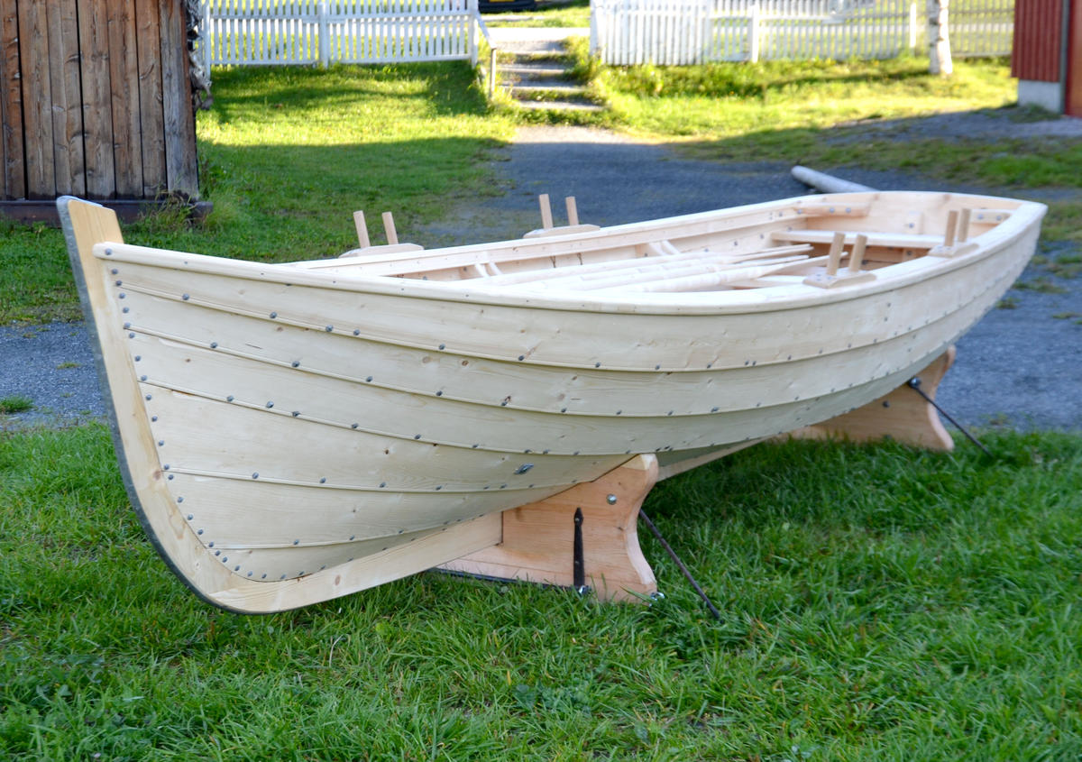 "Copy of the old lifeboat onboard the veteran boat ""Værdalen""."
