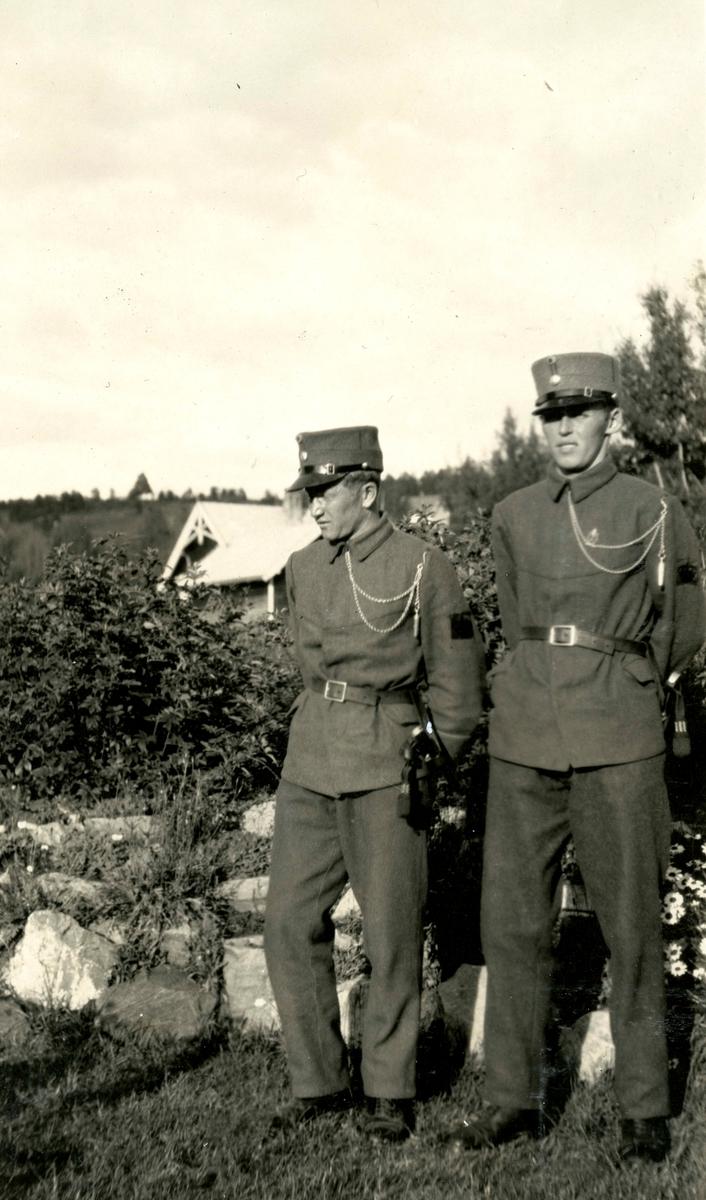 Friends in uniform