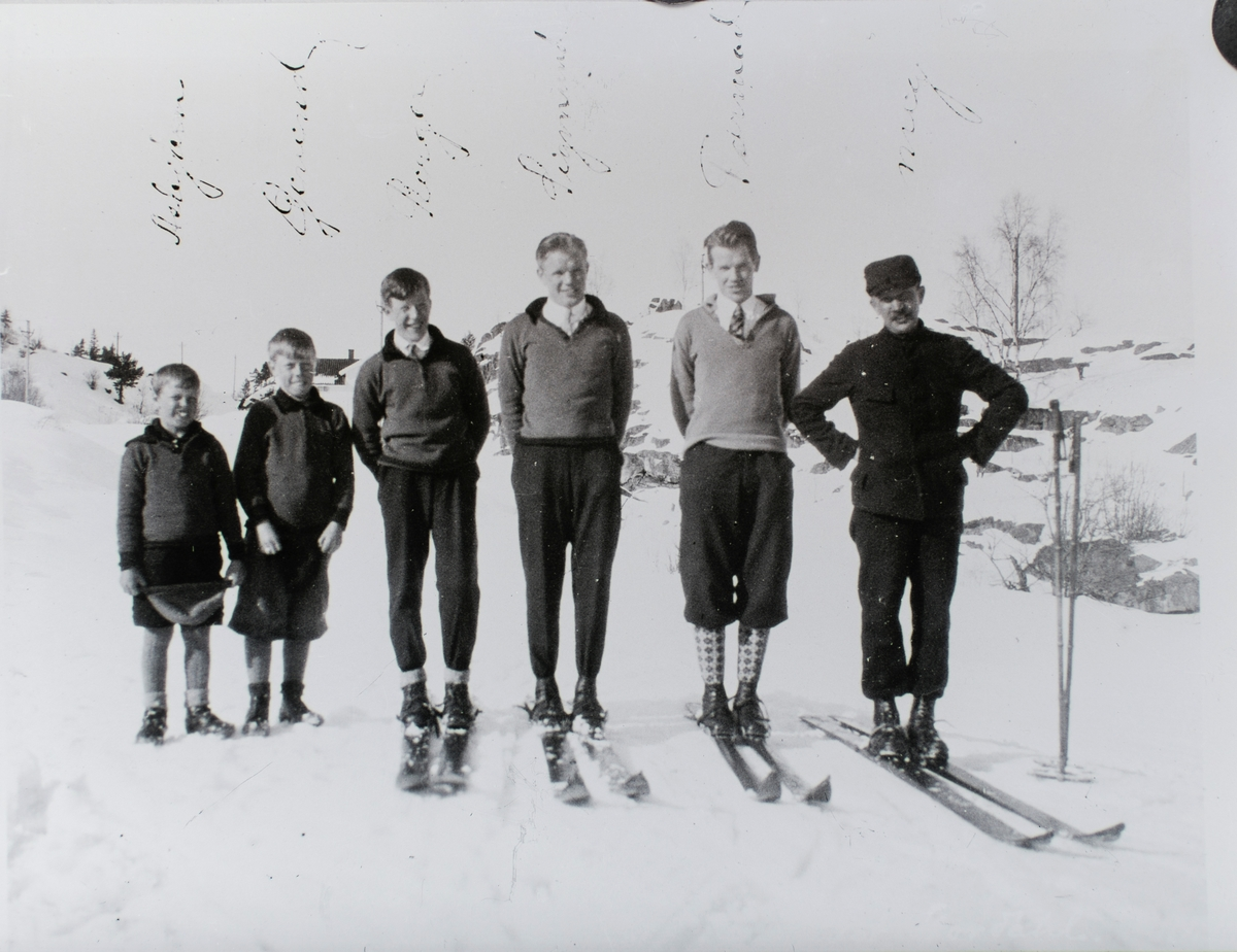 The Ruud family on ski in the early 1920s