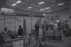 Stand til Kvernelands Fabrikk AS på utstillingen til DLG i H