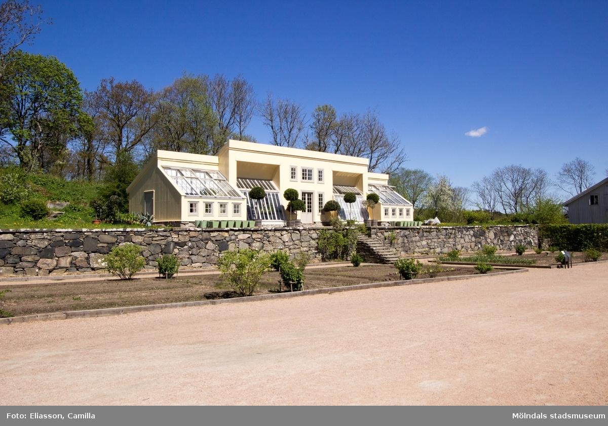 Drivhus vid Gunnebo slott som återskapades 1996-1999 efter gamla ritningar.