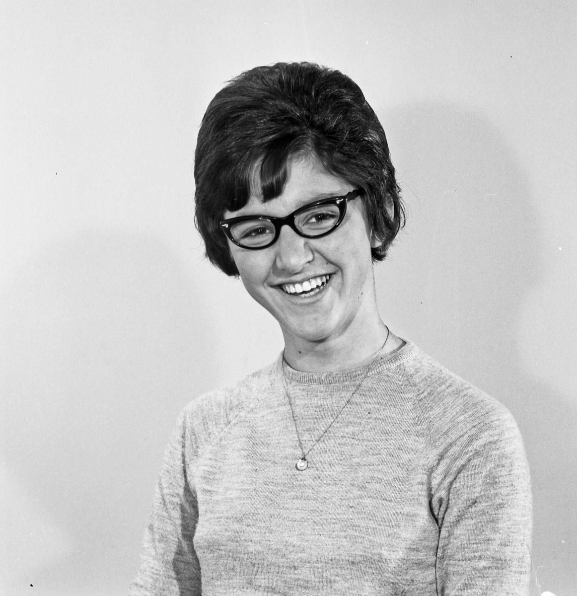 Portrett ung kvinne - bestiller Margareth Fluvåg