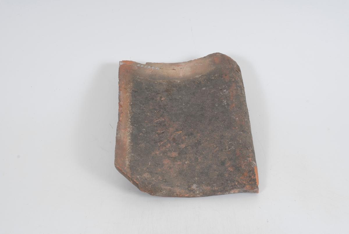 Form: A-D: Krumme stener.