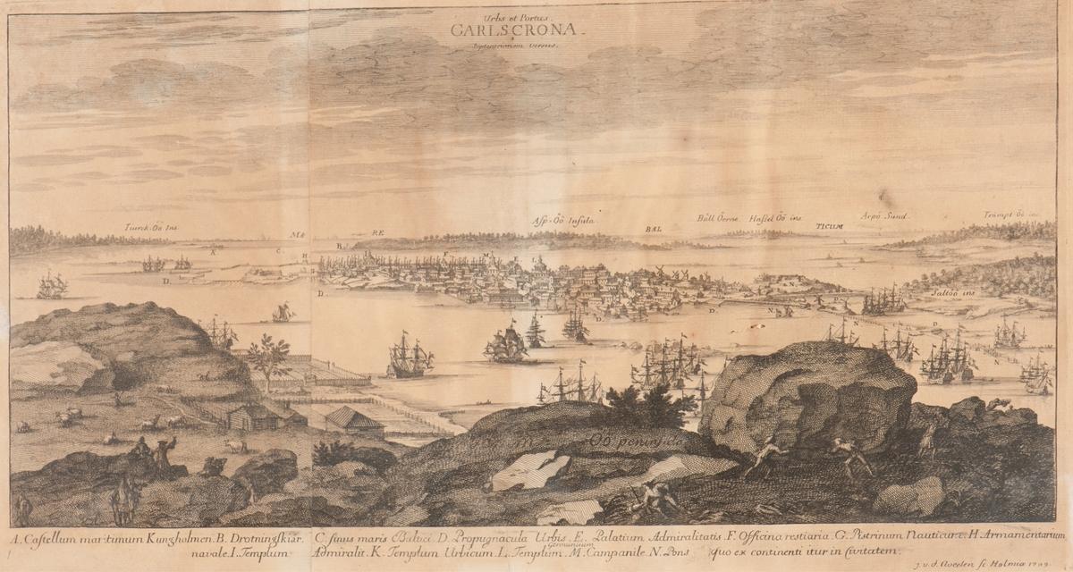 Karlskrona stad och fästning norrifrån (Urbs et Portus Carlscrona Septentrionem versus).
