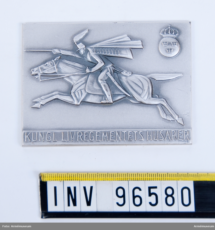 Plakett i silver för Livregementets husarer. Stans 52768, Stans (P.901).