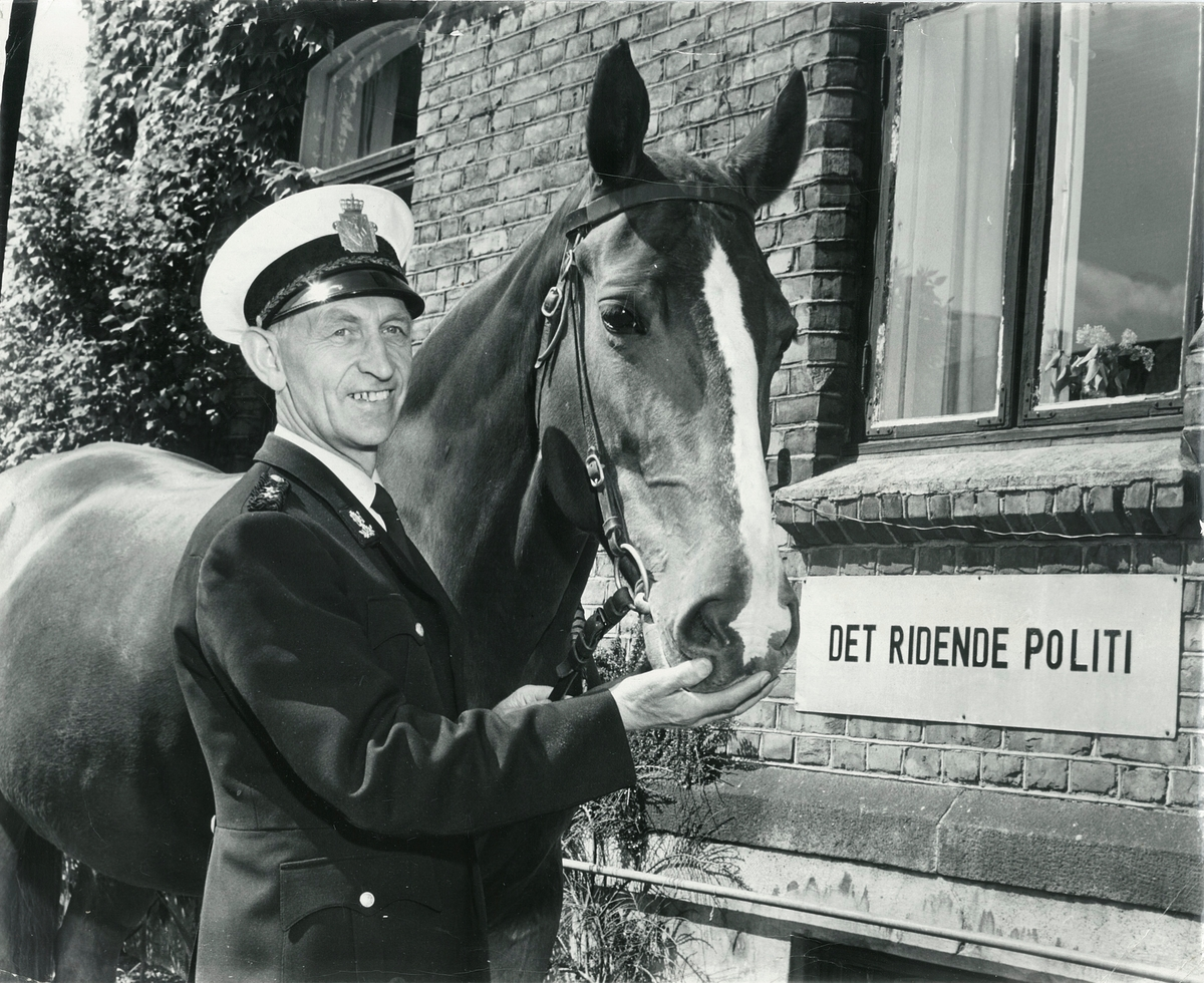 Det ridende politi, ryttersjef Peder Teigen