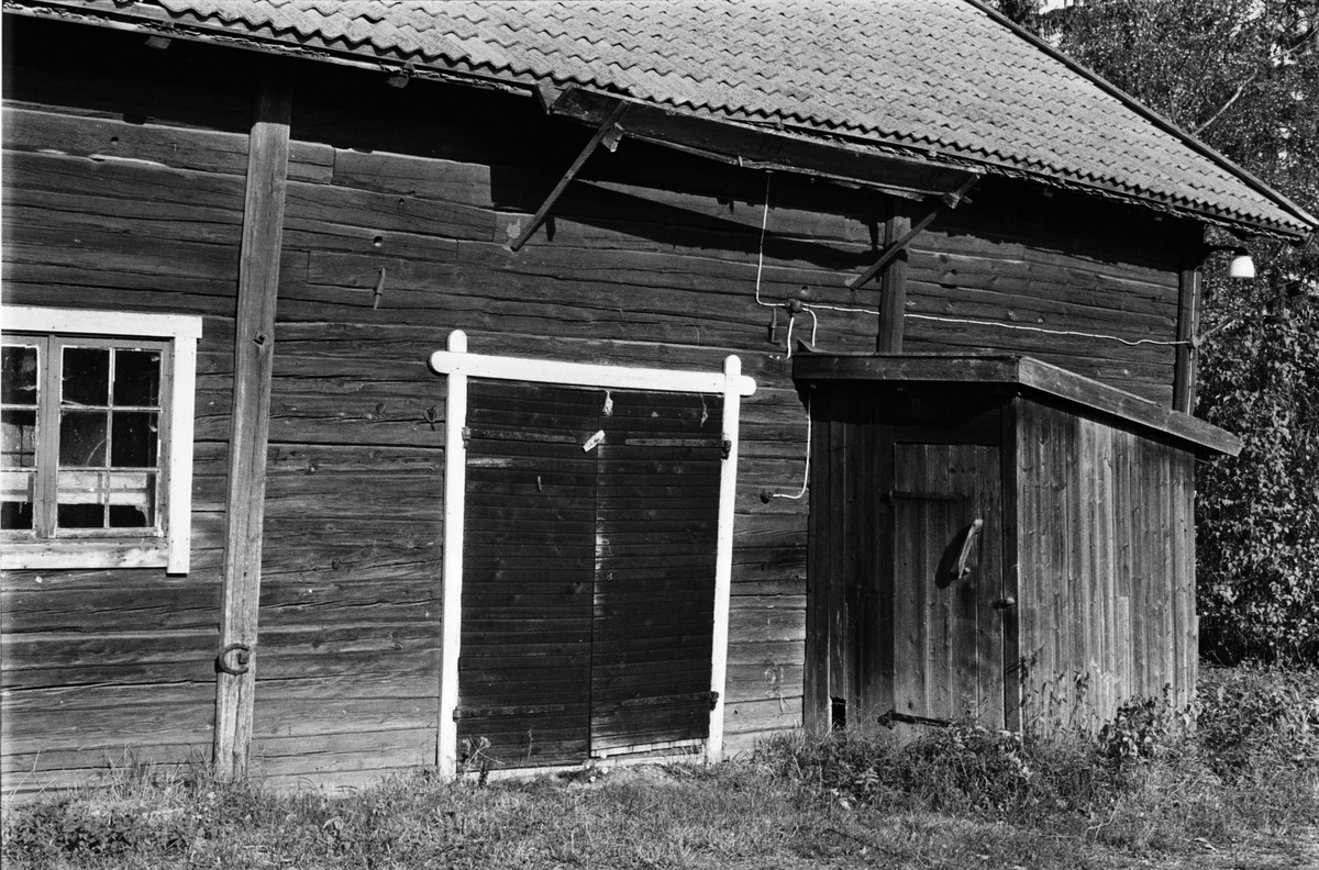 Stall och lada, Bräcksta 2:8, Tensta socken, Uppland 1978
