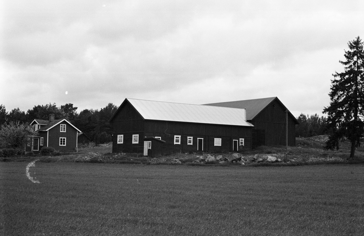 Ladugård, Öster-Edinge 4:12, Tuna socken, Uppland 1987