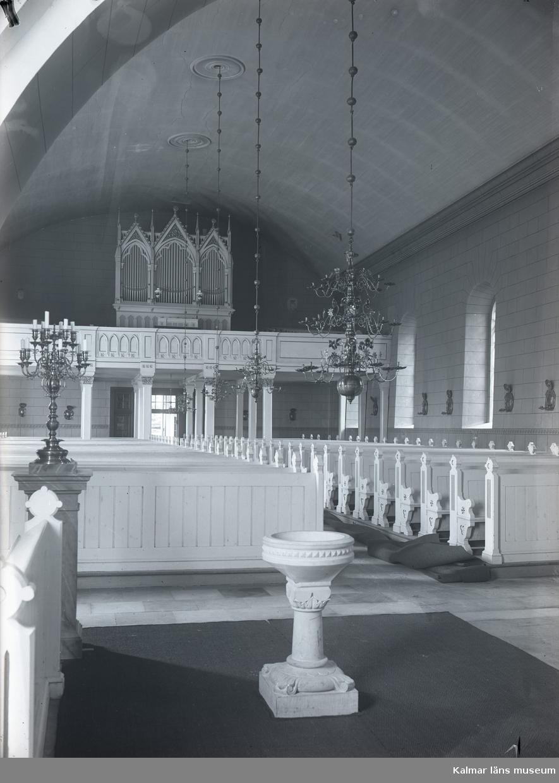 Ljungby kyrka. Interiör mot orgelläktaren.
