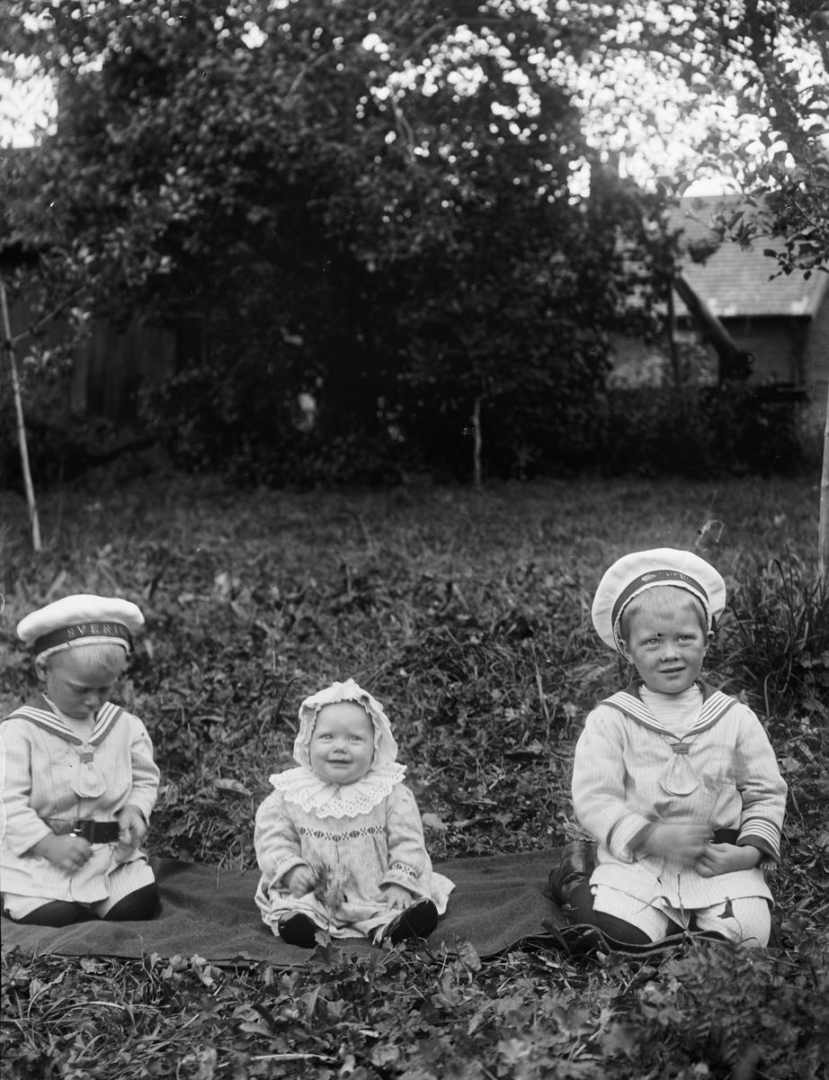 """""""Edvard Fredrikssons barn, lillan glad"""", Gästre, Frösthults socken, Uppland"""