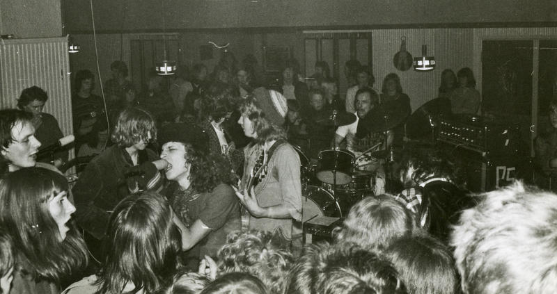 Sjølmord, live Hard Rock Kafé (Foto/Photo)