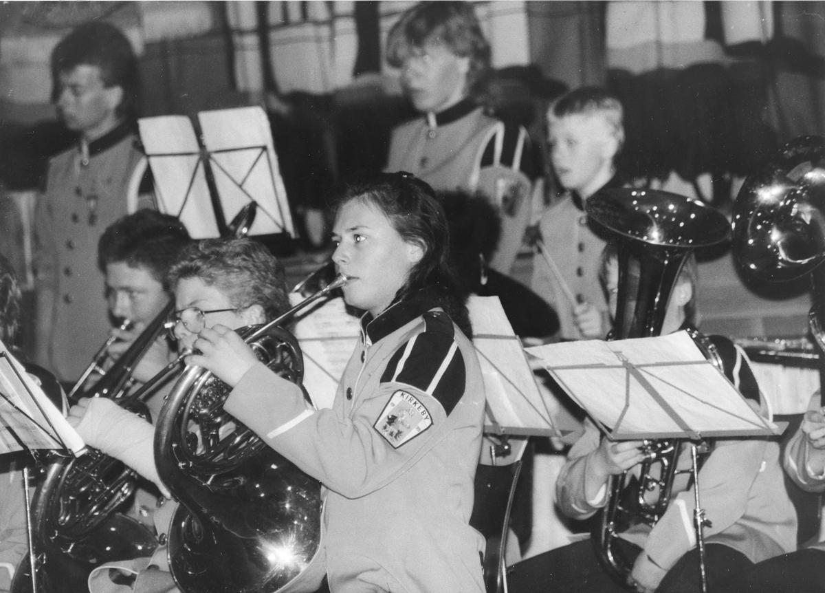 Kirkeby skolekorps har konsert i Bjertnesaulaen.