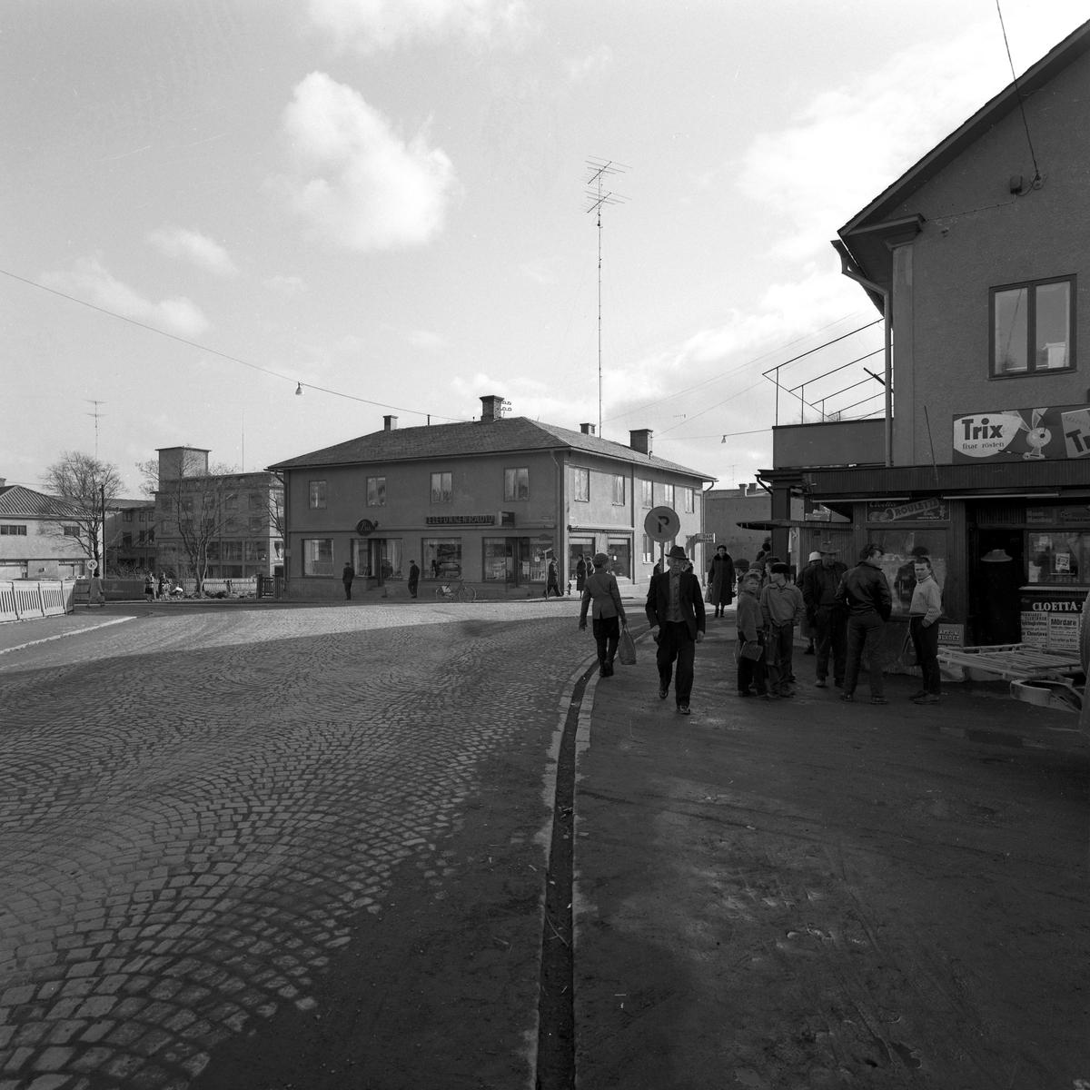 Korsningen Kyrkogatan–Solbergsgränd våren 1960.
