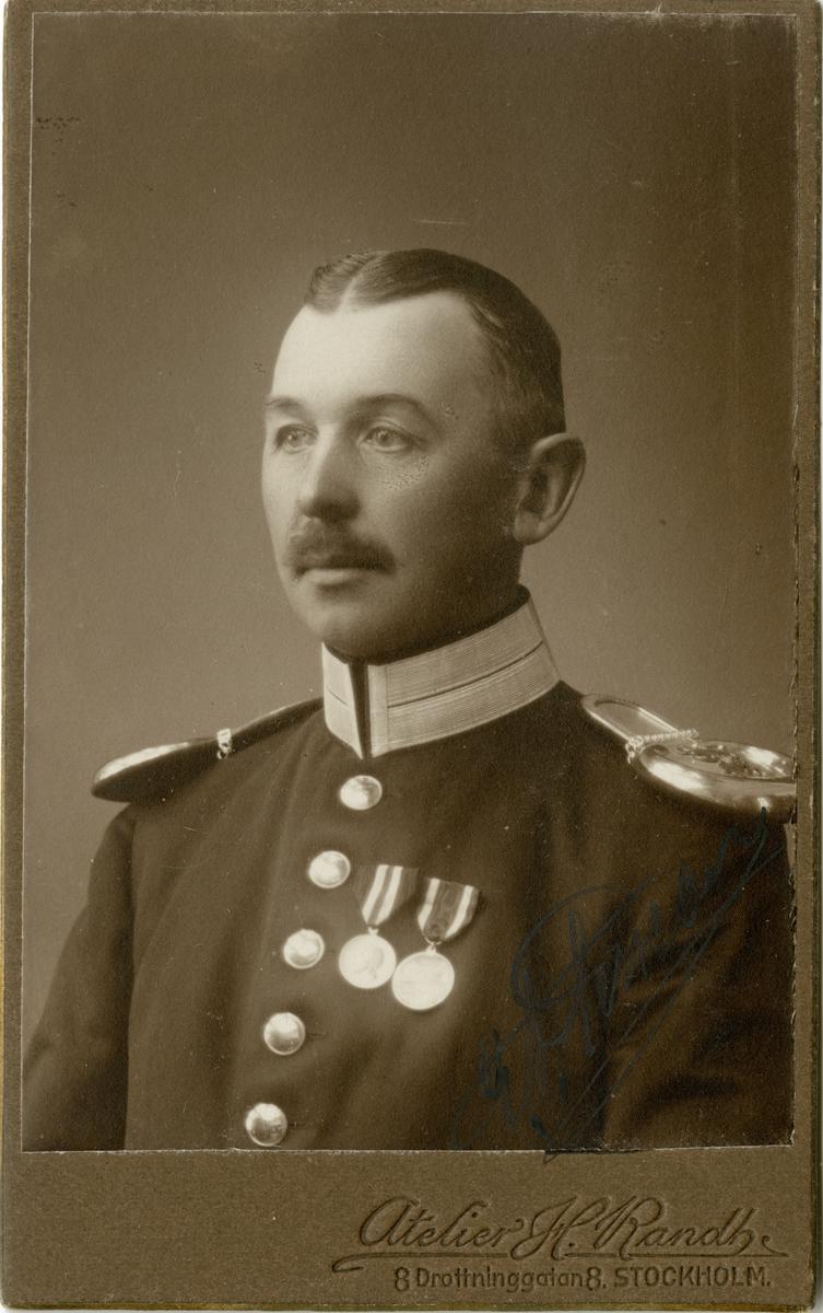 Porträtt av Gustaf Adolf Persson, officer vid Svea livgarde I 1.