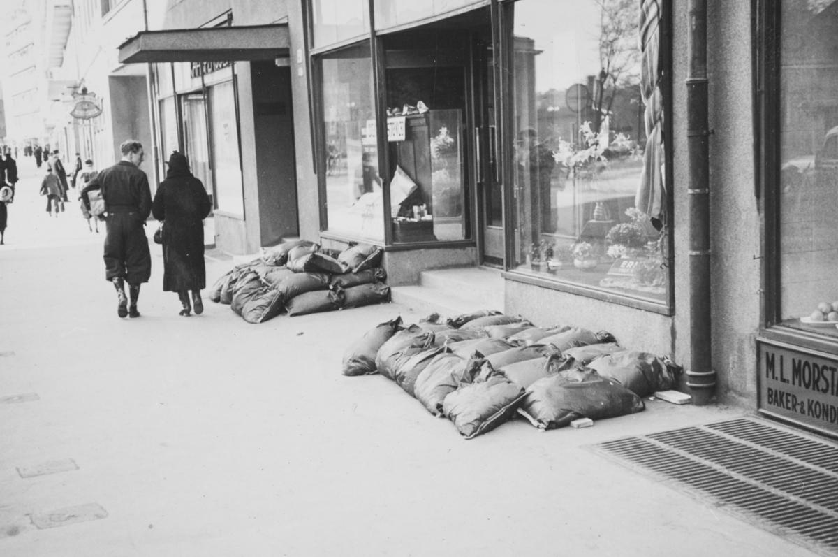 Beskyttelsesrom for Bogstadveien 53 i Oslo dagen etter tyskernes invasjon, 10. april 1940.