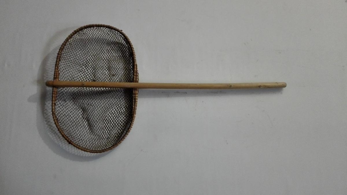 Form: Ein slags rund håv, som vart brukt til å øse opp sild frå not i båten.    Gamal norsk: rodhafr