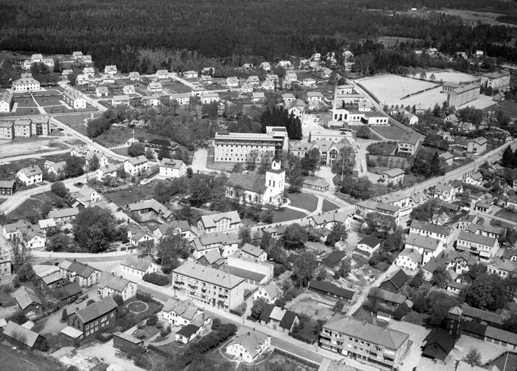 Bildtext: Samhälle. Ljungby.Flygfotosamlingen 283/1957