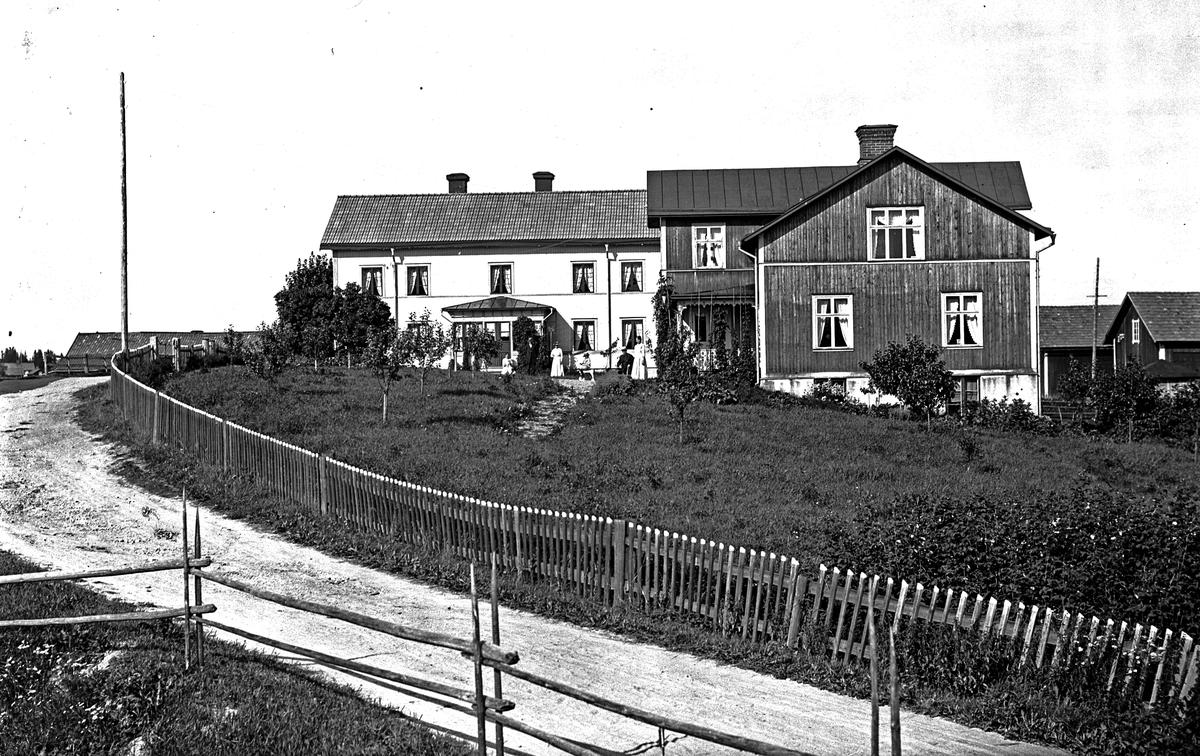 """W. Hästbo nummer 9 och 10, """"Pel-Pers""""."""