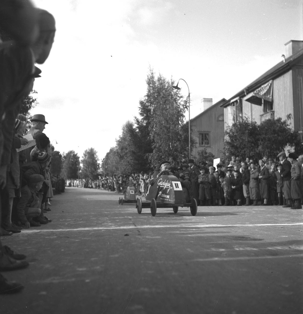 KFUM:s Pojkracertävling. September 1944. Nynäs. Bil nr 11 Gävle Fisk