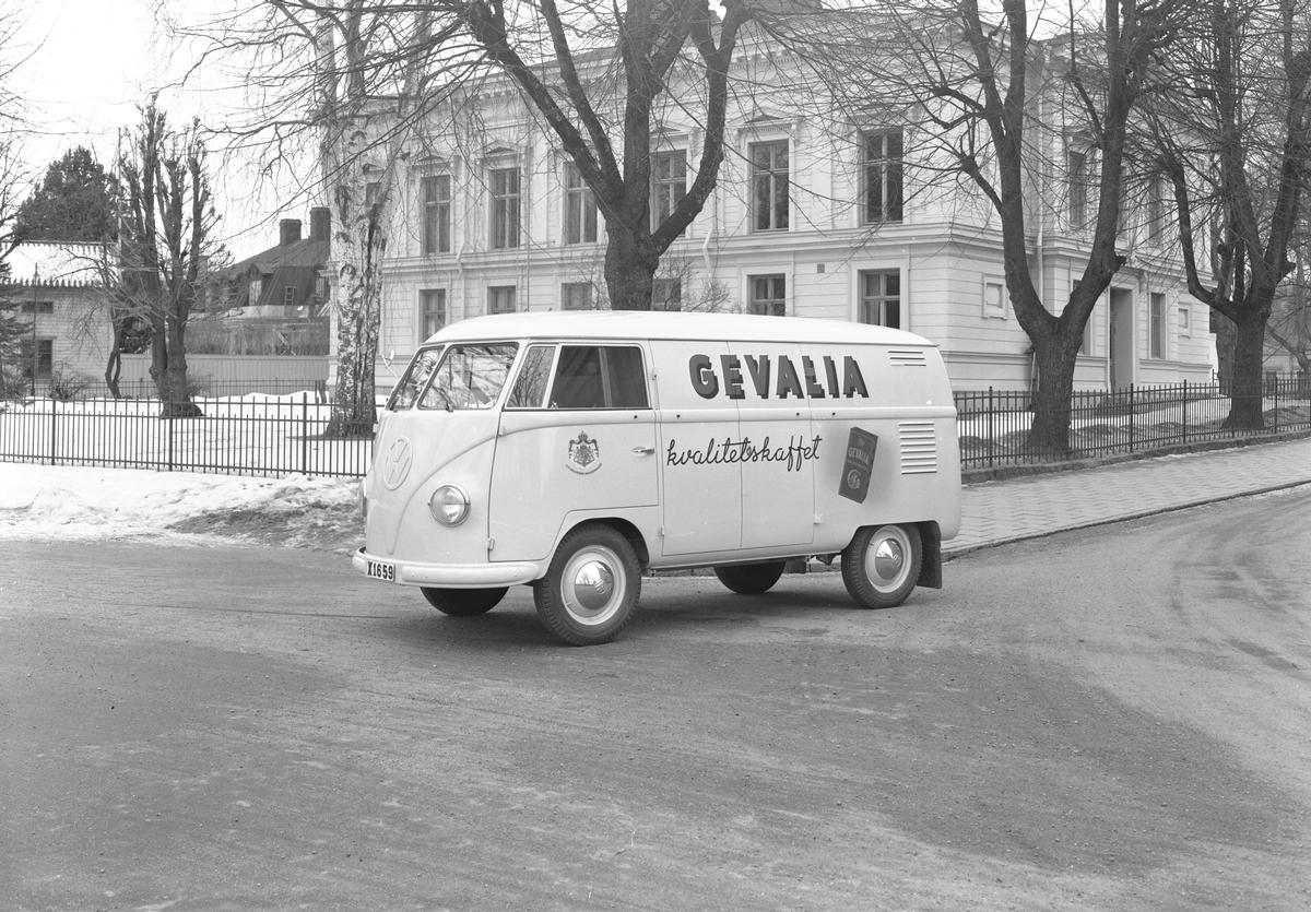 """Den 15 mars 1956. Bil & Buss. Volkswagenbuss, """"Gevalia kvalitetskaffe"""""""