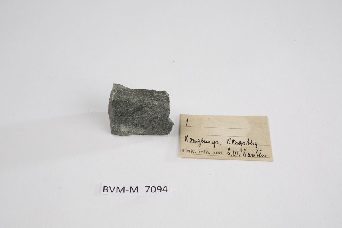 Etikett i eske: 1.  Kongens gr. Kongsberg C.W. Carstens