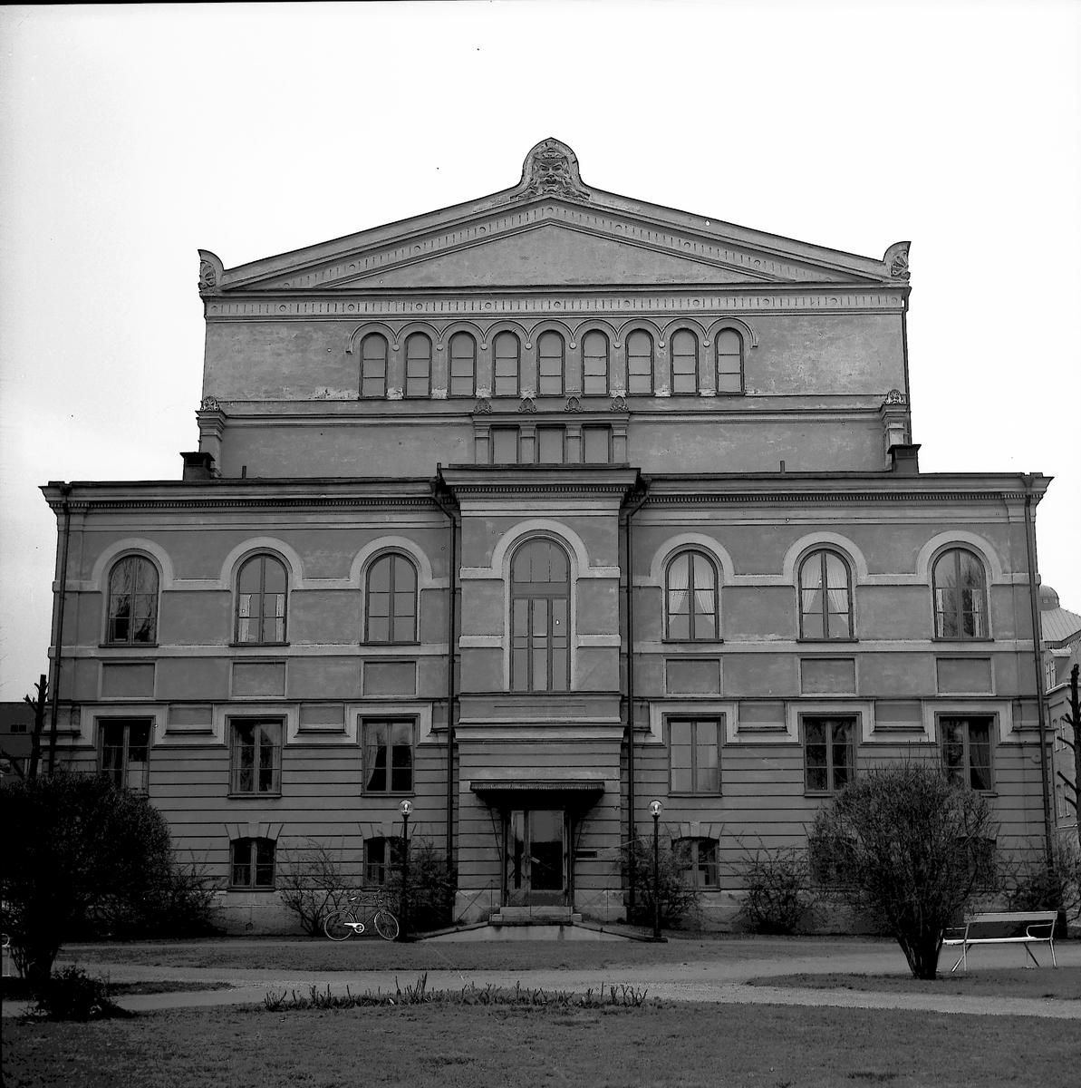 Gävle Teater. Bilden är tagen från Hantverkargatan. Maj 1973.