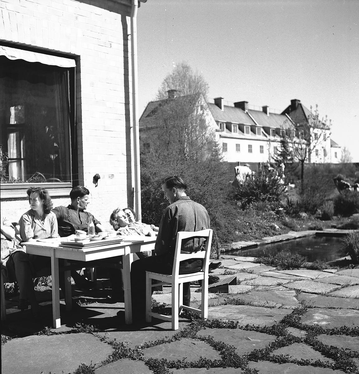 AB Svenska Tobaksmonopolet  Produktionen för tillverkning av cigarrer och cigariller flyttade från Hagaström till Gävle 1920. Cigarrtillverkningen slutade att tillverkas 1928.