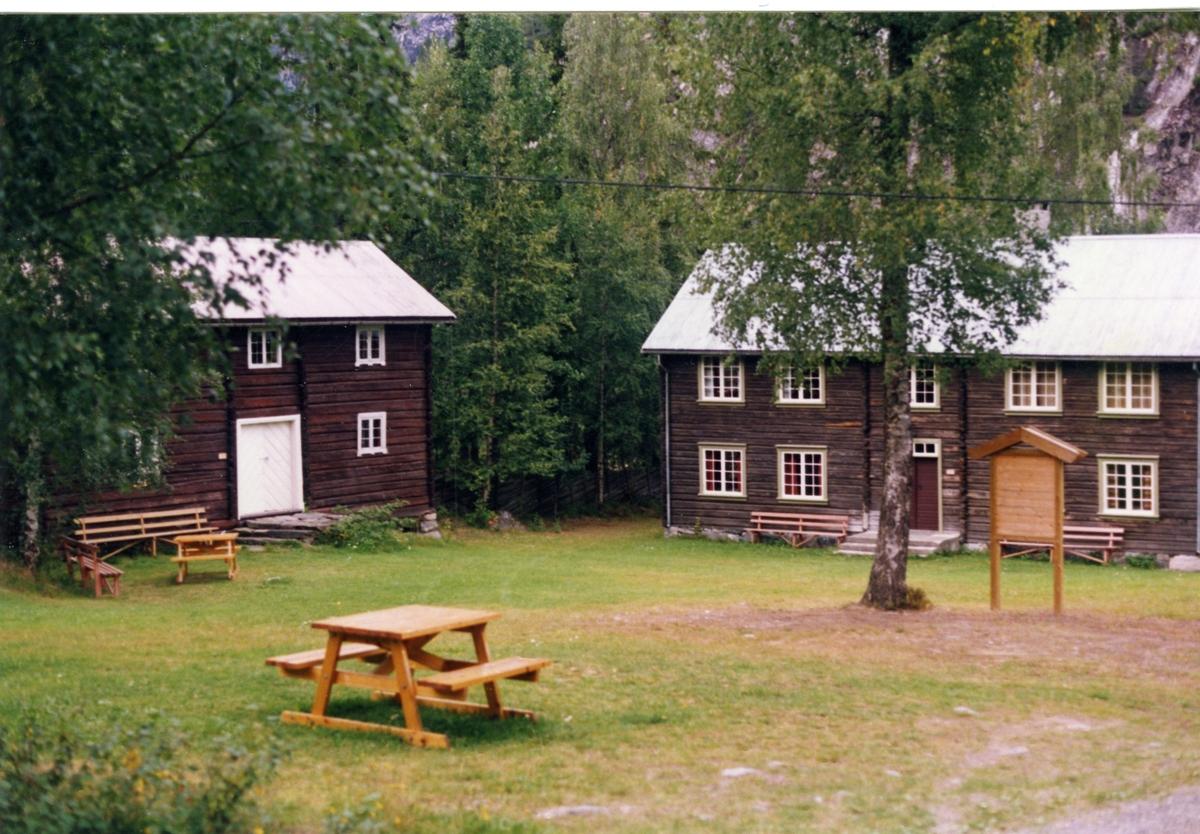 Stabelbygningen og tehuset på Bagn Bygdesamling, Sør-Aurdal.