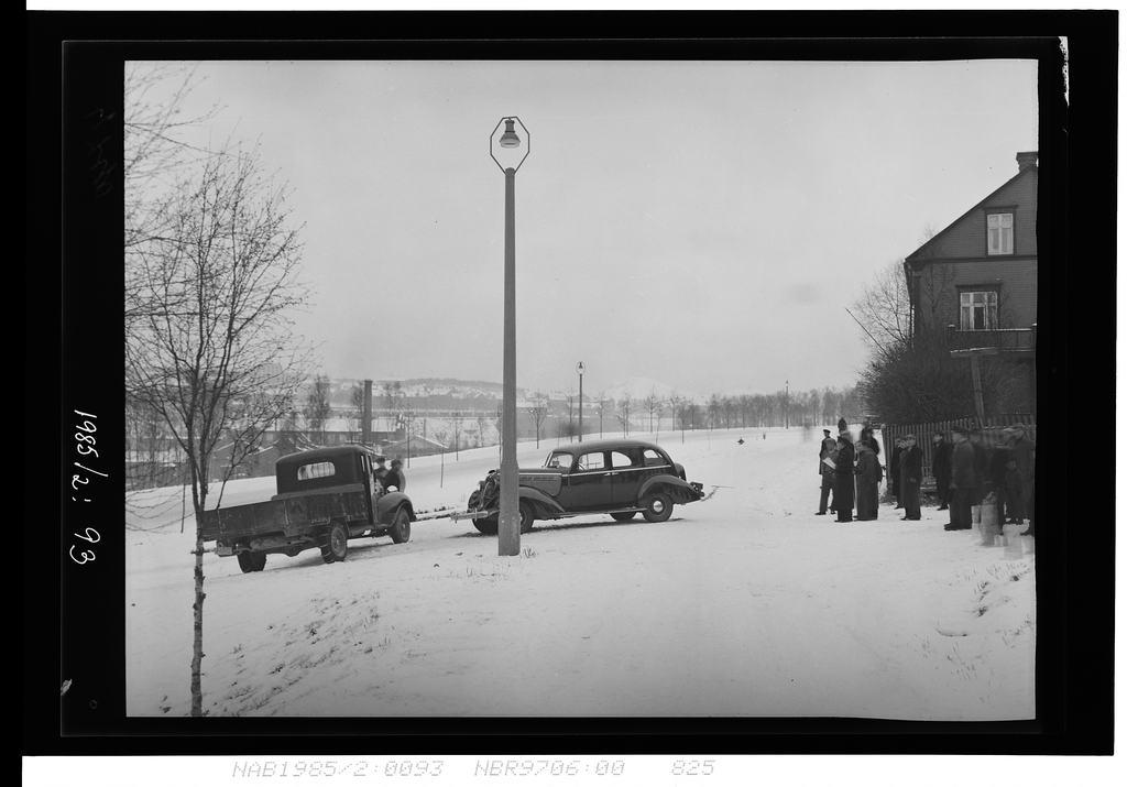 Trafikkuhell, ved Valhalla Bil Bjørnstadgården til h.