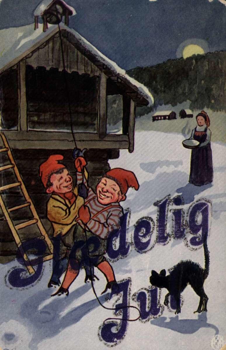 Julekort. Jule- og nyttårshilsen. To nisser ringer med klokka på stabburet. Ei kvinne kommer med julegrøt. Illustrert av Sverrer Knudsen. Datert 24.12.1919.
