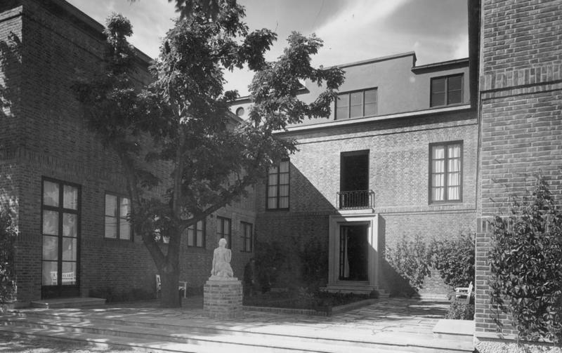 Trondheim kunstmuseums hovedbygning 1930, bakgård