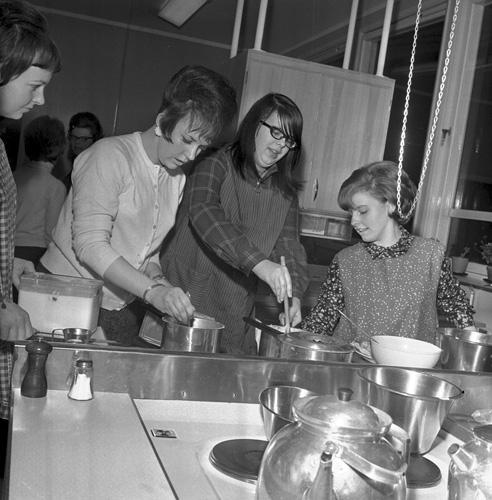 Prov i matlagning år 1966