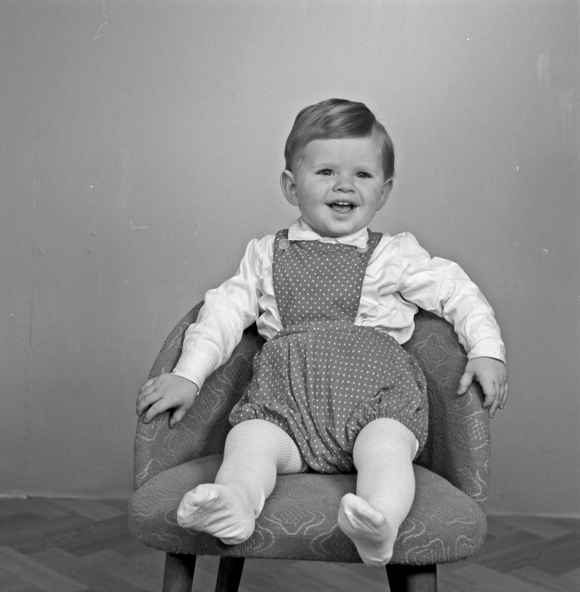 Portrett - liten gutt - bestiller Kristoffer Sydnes