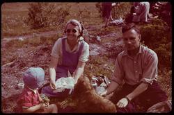 På fjelltur i regi av Kjøpmannsforeningen, familien Thurn-Pa