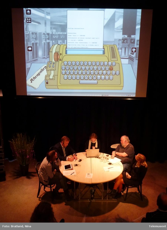 Åpning av utstillinga Internetts historie, med påfølgende paneldebatt. fv: Marika Lüders, Jon Wessel-Aas, Nina Bratland, Gisle Hannemyr, Marta Breen
